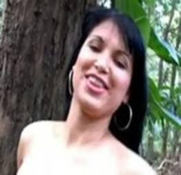 Morena fez Strep Tease no mato - MG