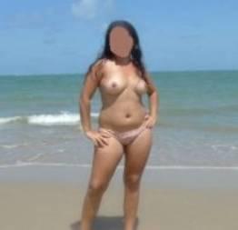 Minha esposa bucetuda pelada na praia