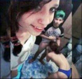 Julia caiu na net pagando boquete amador com amiga filmando