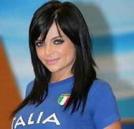 Valentina francavilla mostrando a calcinha ao vivo