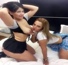 Morena GP em fotos no motel com sua amiga puta