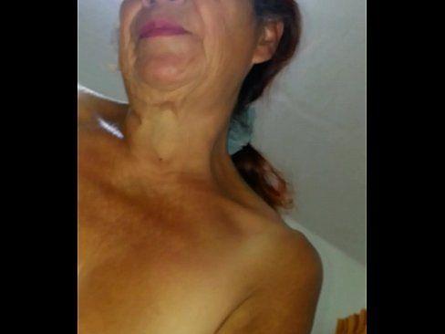Sexo com uma senhora de 62 anos muito experiente