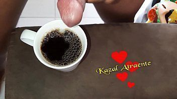 Preparou o café com porra pra amada