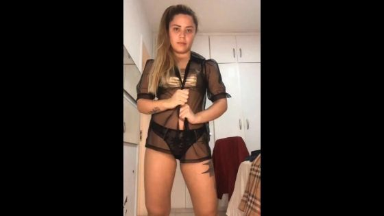 Yasmin mineira dançando funk peladinha