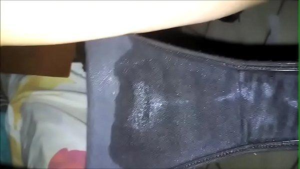 Esposa chega em casa com a calcinha cheia de porra