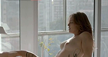 Letícia Colin muito gostosa nua em filme Nacional