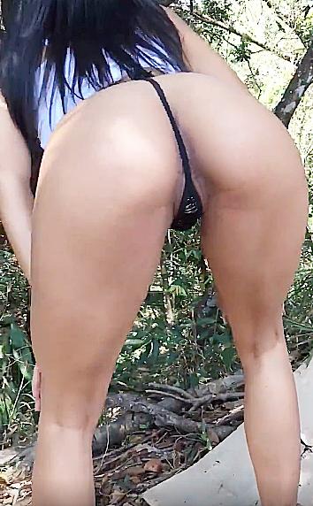 Novinha pelada no mato putinha - Novinha do zap safada
