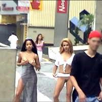 Duas Ninfetinhas se Exibindo nas Ruas Movimentadas de São Paulo - Condor Online
