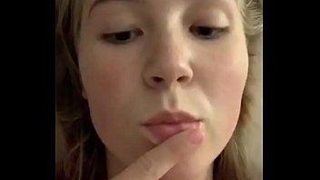 Emma ruiva na webcam muito tarada