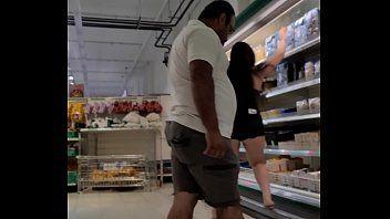 Grava Luana aprontando no supermercado