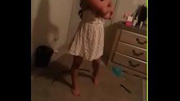 Novinha sendo fodida pela primeira vez
