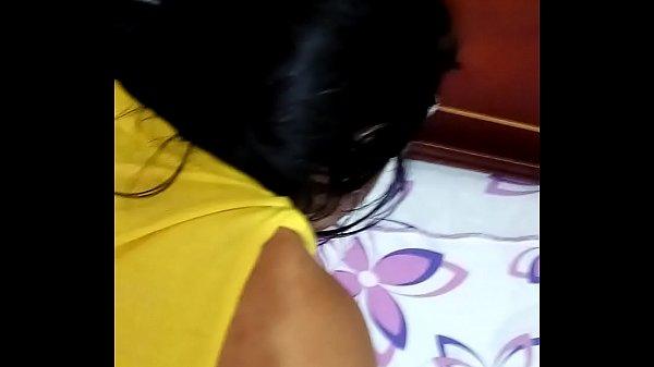 Tirando o cabaço do cu da namorada - Pimenta Porno