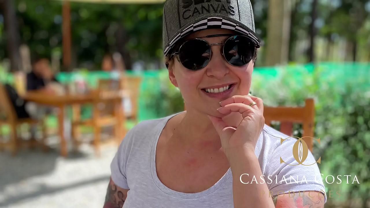 Cassiana Costa visita seus amigos em SP