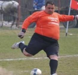 Ele é o goleiro mais gordo do mundo