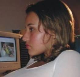 Peladinhas, diante do computador
