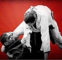 Briga de rua: Jiu-Jitsu x Valentão