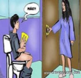 Hq Incestuosa - mãe pega filho se masturbando no banheiro