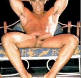 Anderson de Rizzi, o palhaço de Amor á Vida, pelado em ensaio sensual