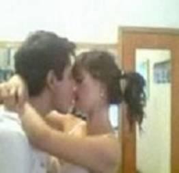 Novinha perdendo a virgindade caiu na net