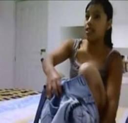Moreninha pagando uma gulosa de luxo