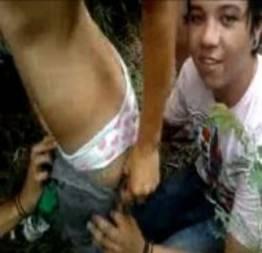 Ninfeta brasileira na suruba com colegas