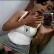 Novinha safada se masturbando e filmando