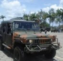 Carros no exército brasileiros nas ruas