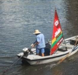 Tripulantes de barcos não usam salva-vidas