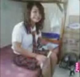 Novinha dando depois da escola sem tirar a farda caiu na net