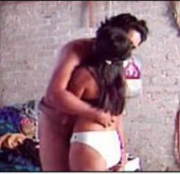 Namorada novinha dando gostoso pra virar noiva
