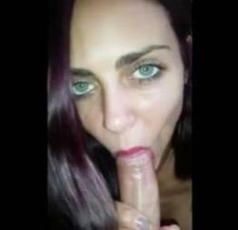 Novinhas do whatsap: bianca linda dos olhos verdes chupando o namorado