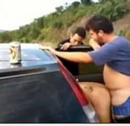 Ficou bebada na balada e pagou carona com sexo na estrada