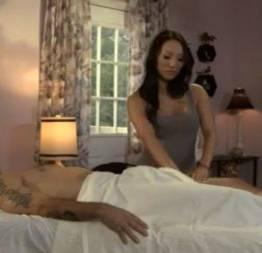 Asa akira faz uma massagem bem asiatica - milfs gostosasmilfs gostosas