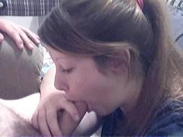 Filmando seu primeiro boquete no namoradinho
