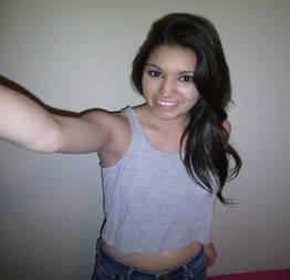 Karina morena novinha mostrou o peitão toda timida e vazou na net