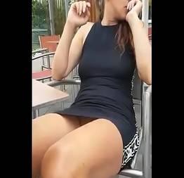 Mãe da namorada muito safada provocando e deixando filmar