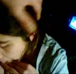 Novinha cecilia de 19 anos muito inocente na putaria