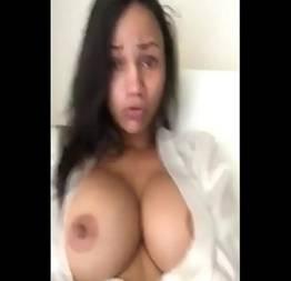 Novinha peituda mandou video peladinha e vazou na net