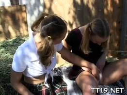 Novinhas em passeio da escola