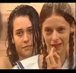 Alessandra Negrini se mostrando pra novinha lésbica