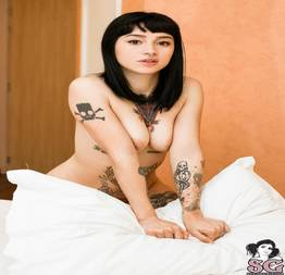 Set de fotos da Dawud novinha gostosa pelada e tatuada da Suicide Girls