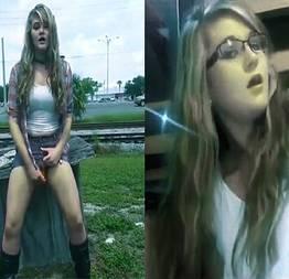A vadia louca se masturbando em público