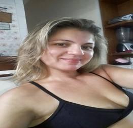 Coroa fazendo sexo quando foi visitar seu namorado - Porno Amador Tube
