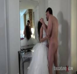 Jynx Maze trapaceia marido antes do casamento para transar com amante