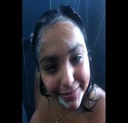 Morena novinha no banho caiu na net