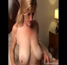Tia desesperada por sexo fodendo com seu sobrinho - Xvideos Porno