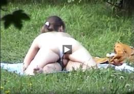 Branquinha safada dando para o seu amante e cavalgando muito no pau dele