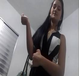 Novinha gostosa dando pro primo - Porno Amador Tube