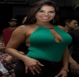 Fabiane Thompson Morena muito boa dando com vontade proNegão