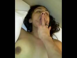 Filmou foda com a amiga Sheila da faculdade